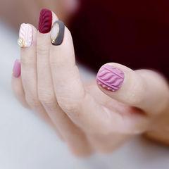 方圆形粉色红色毛衣纹镂空磨砂美甲图片