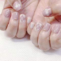 方圆形裸色白色手绘菱形毛衣纹美甲图片