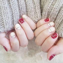 圆形红色白色简约线条短指甲短甲新年款短圆指甲款美甲图片