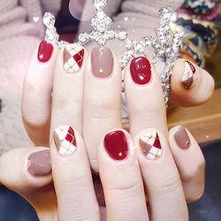 圆形红色裸色白色手绘菱形新年短指甲新年热门款短甲新年款短圆指甲款尊享美图纪念册美甲图片