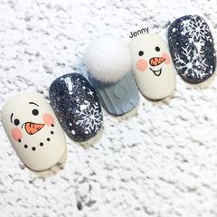 方圆形蓝色灰色白色毛衣纹雪花毛毛球美甲图片