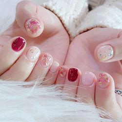 红色白色金色圆形方圆形韩式晕染简约短指甲专题短圆指甲款美甲图片