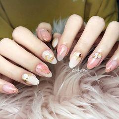 圆形粉色白色贝壳片金箔日式春天少女心美甲图片