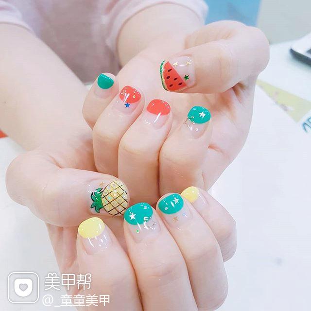 方圆形红色绿色黄色手绘夏天水果菠萝西瓜圆法式美甲图片