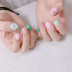 圆形粉色绿色手绘可爱法式夏天水果西瓜短指甲学生美甲图片