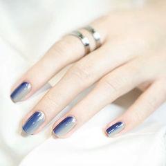 方圆形蓝色灰色渐变简约竖形渐变款莫兰迪色美甲蓝色渐变款美甲图片