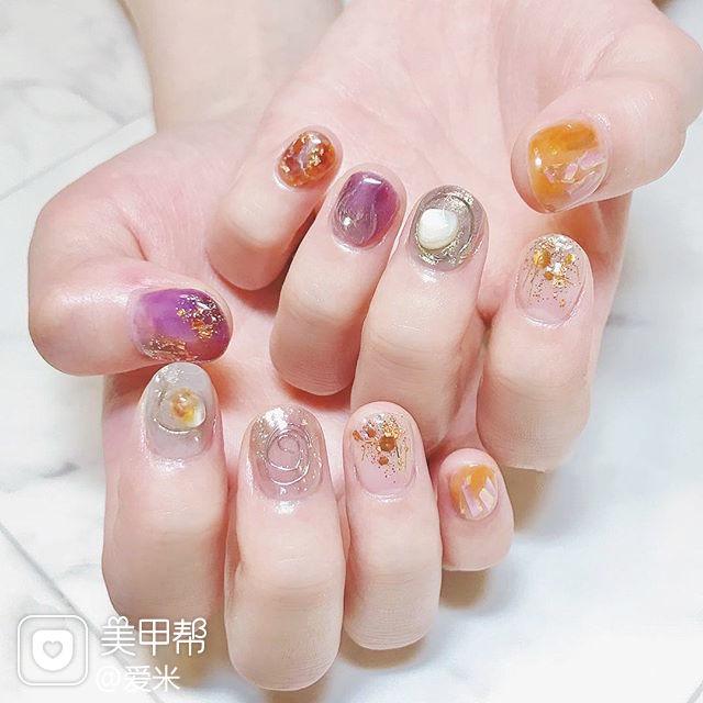 圆形紫色橙色银色晕染金箔金属饰品短指甲日式美甲图片