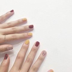 方圆形红色黄色裸色磨砂跳色美甲图片