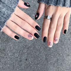 方圆形黑色裸色手绘心形磨砂美甲图片