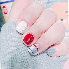 方圆形红色灰色线条毛衣纹美甲图片