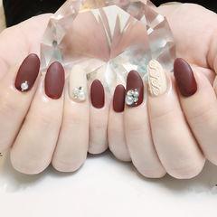 圆形红色白色珍珠毛衣纹美甲图片