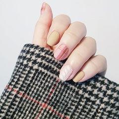 方圆形裸色白色粉色格纹毛衣纹磨砂美甲图片