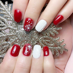 方圆形红色白色手绘雪花毛衣纹红色美甲编织毛衣美甲美甲图片