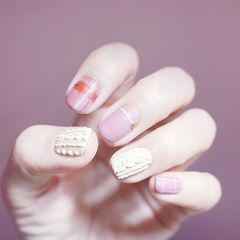 方圆形粉色白色格纹毛衣纹磨砂美甲图片