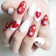 圆形红色白色手绘心形雪花毛衣纹圣诞美甲新年热门款美甲图片