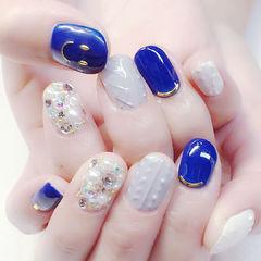 圆形蓝色灰色钻珍珠毛衣纹美甲图片
