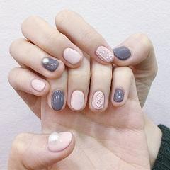 圆形粉色灰色毛衣纹珍珠美甲图片