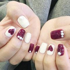 方圆形酒红色白色手绘心形毛衣纹珍珠美甲图片