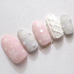 圆形粉色灰色白色雪花毛衣纹磨砂美甲图片