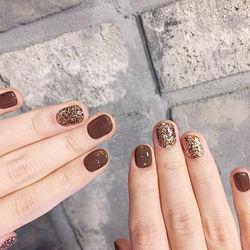 圆形金色跳色短指甲短指甲专题短圆指甲款美甲图片