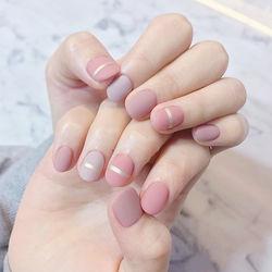 圆形粉色裸色金银线跳色磨砂短指甲短指甲专题短圆指甲款美甲图片
