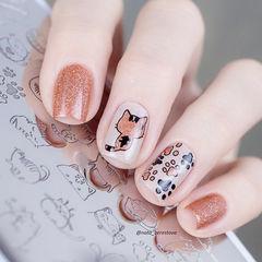 方形白色焦糖色可爱猫咪美甲图片