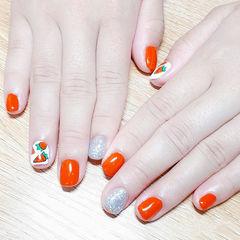 方圆形南瓜色银色手绘萝卜可爱美甲图片