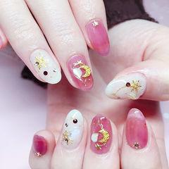 圆形粉色白色金属饰品星月美甲图片
