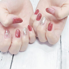圆形红色银箔水波纹日式美甲图片