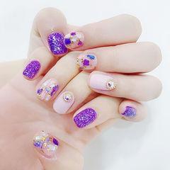 方圆形紫色钻贝壳片金箔美甲图片