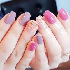 方圆形紫色粉色贝壳片美甲图片