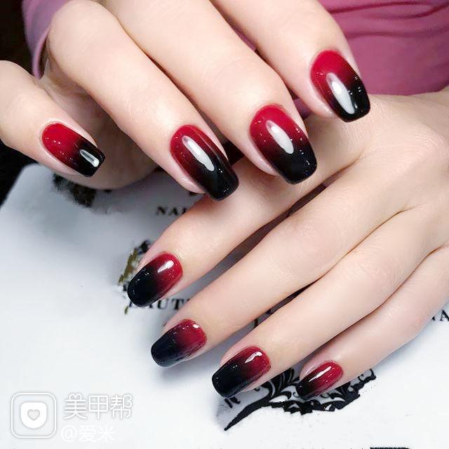方圆形红色黑色渐变美甲图片