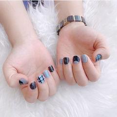 方圆形黑色灰色线条短指甲美甲图片