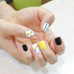 方圆形黄色黑色白色手绘夏天水果香蕉美甲图片