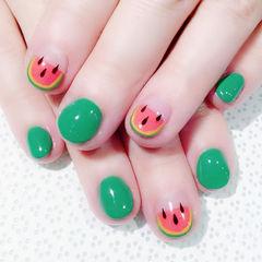 圆形红色绿色手绘夏天水果西瓜短指甲美甲图片