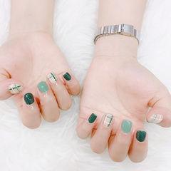 方圆形绿色线条短指甲美甲图片
