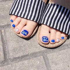脚部蓝色银色手绘夏天可乐美甲图片
