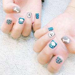 方圆形蓝色灰色手绘可爱小狗短指甲美甲图片
