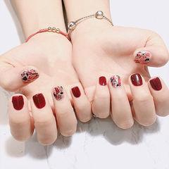 方圆形红色贝壳片短指甲美甲图片