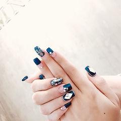 方形蓝色平法式菱形亮片韩式美甲图片