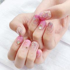 圆形粉色银色渐变星月美甲图片