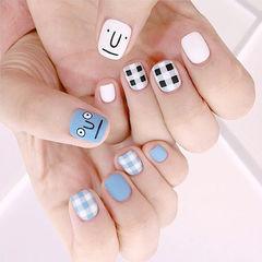 方圆形蓝色白色手绘格纹可爱表情磨砂韩式学生美甲图片