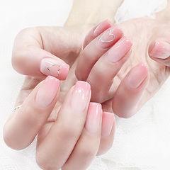 方圆形粉色渐变简约心形新娘上班族美甲图片