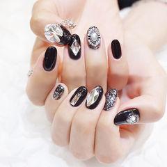 圆形黑色珍珠钻韩式美甲图片