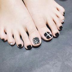 脚部黑色银色亮片韩式美甲图片