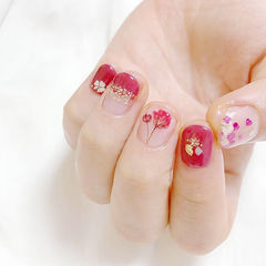 圆形红色贝壳片手绘花朵新娘日式短指甲美甲图片