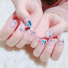 圆形灰色蓝色手绘可爱猫咪学生美甲图片