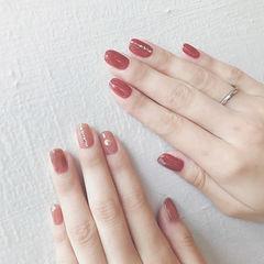 方圆形红色裸色简约上班族新娘美甲图片
