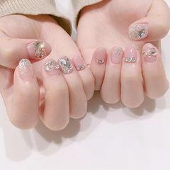 圆形粉色银色钻新娘短指甲美甲图片