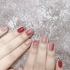 圆形红色粉色裸色金箔竖形渐变美甲图片